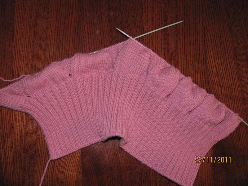 детская манишка цветочек вязание для детей в рукоделии