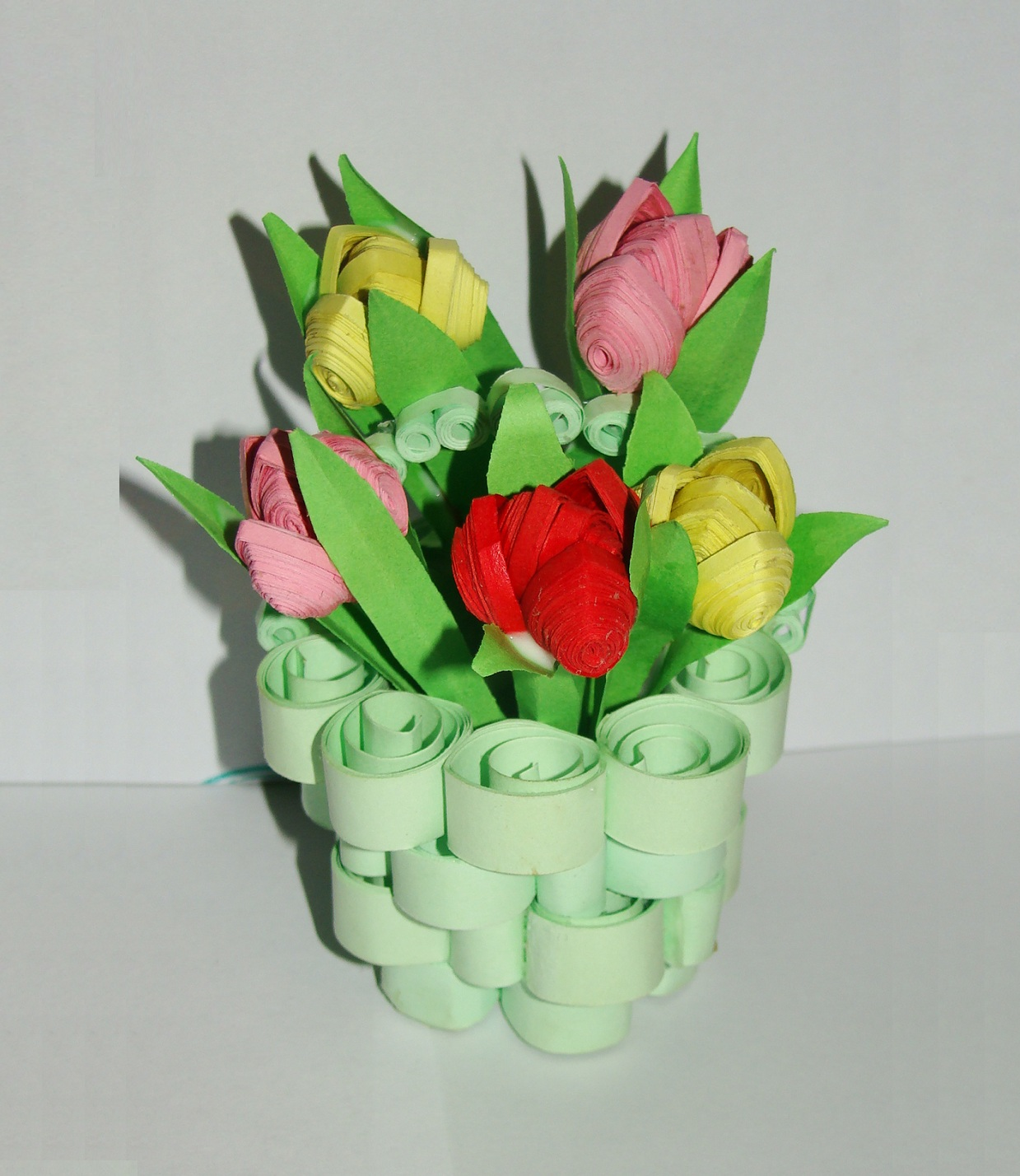 Цветы из бумаги своими руками мастер класс с детьми фото 169