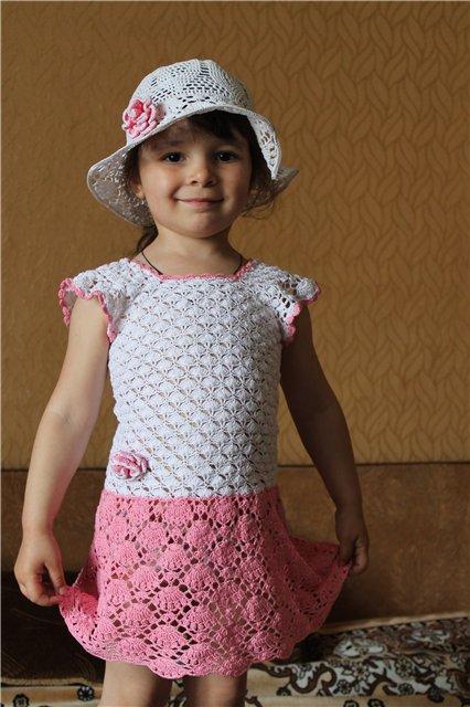 платье и шляпка для маленькой модницы вязание для детей в рукоделии