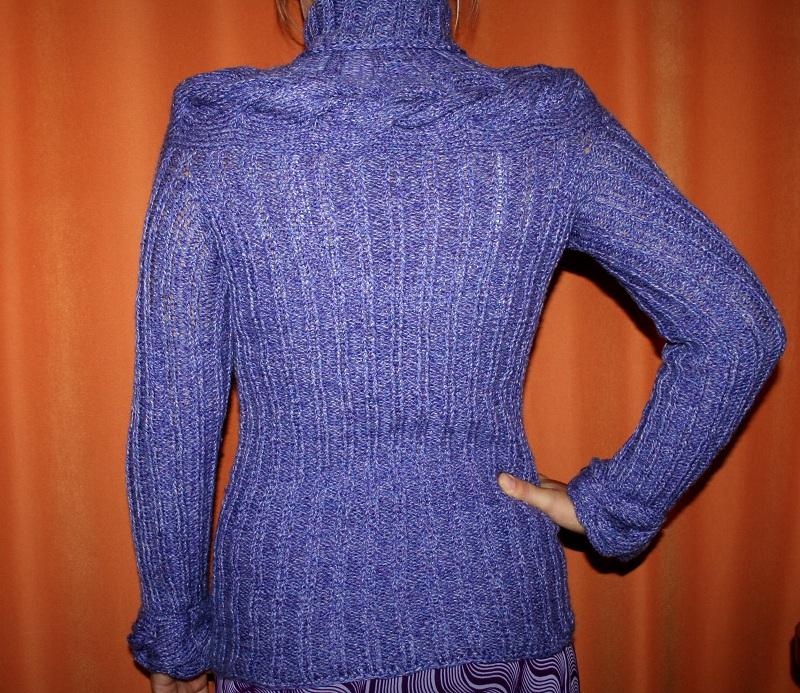 вязаные пуловеры для девушек спицами с описанием