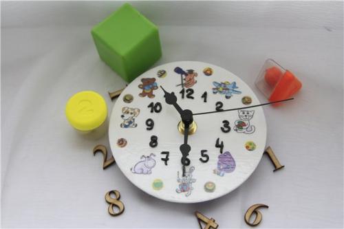 Как сделать часы из картона?