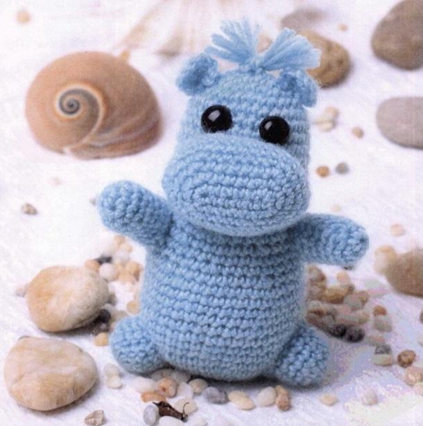 голубой бегемотик вязаные игрушки в рукоделии