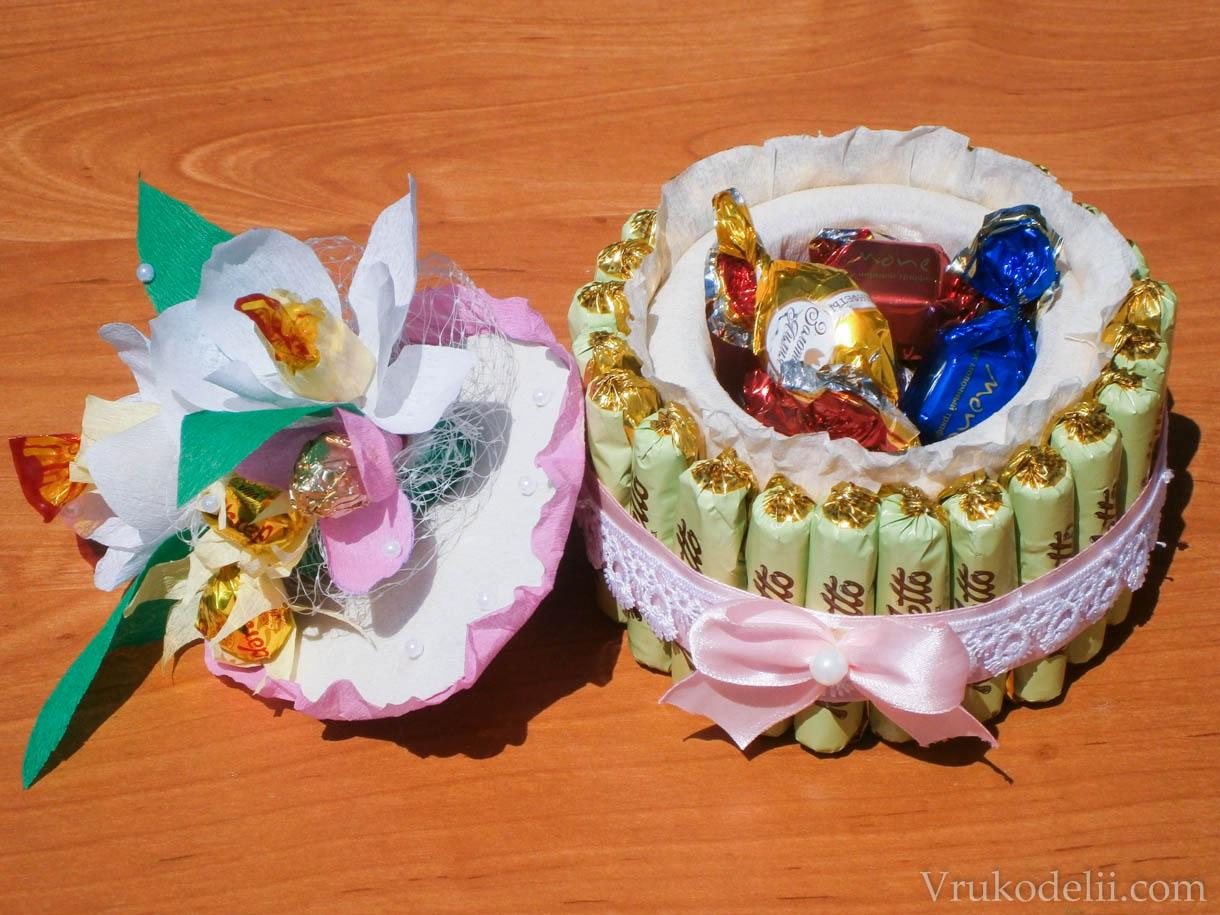 Нарциссы с конфетами из бумаги своими руками 34